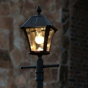 Baytown Bulb Solar Lamp Post with EZ Anchor and Planter