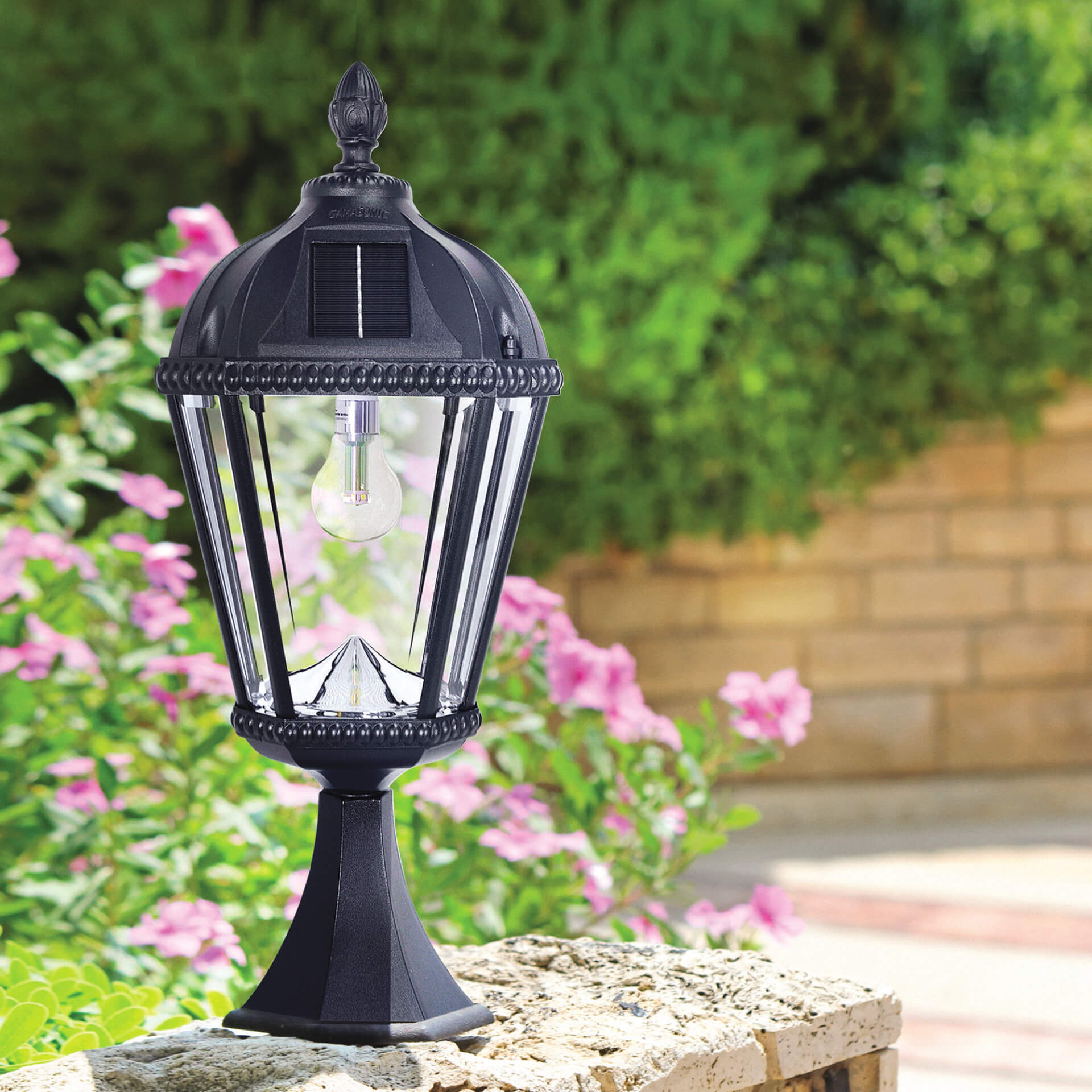 Royal Bulb Pier Mount Solar Lamp - 98B011