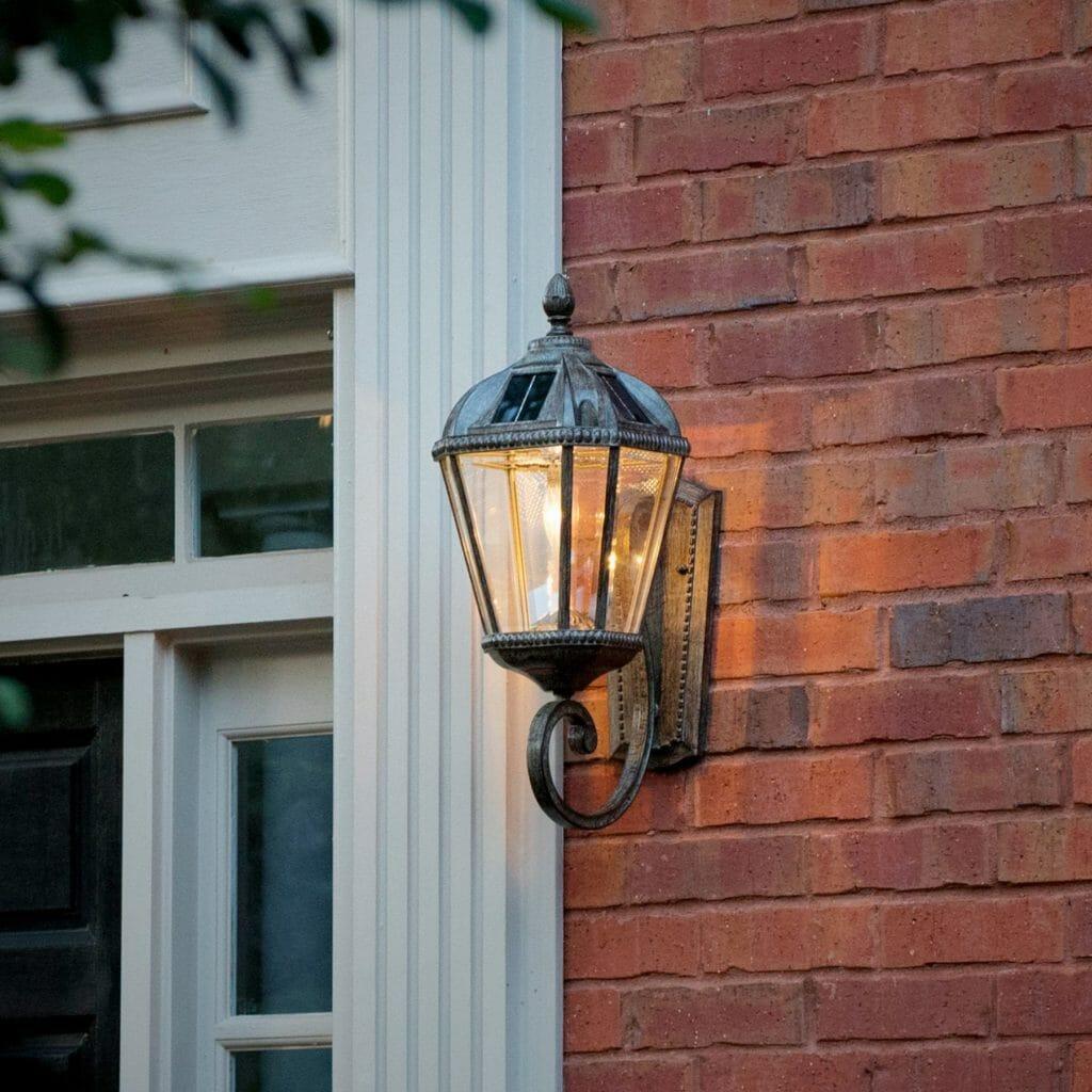 Royal Bulb Wall Mount Solar Lamp - Weathered Bronze