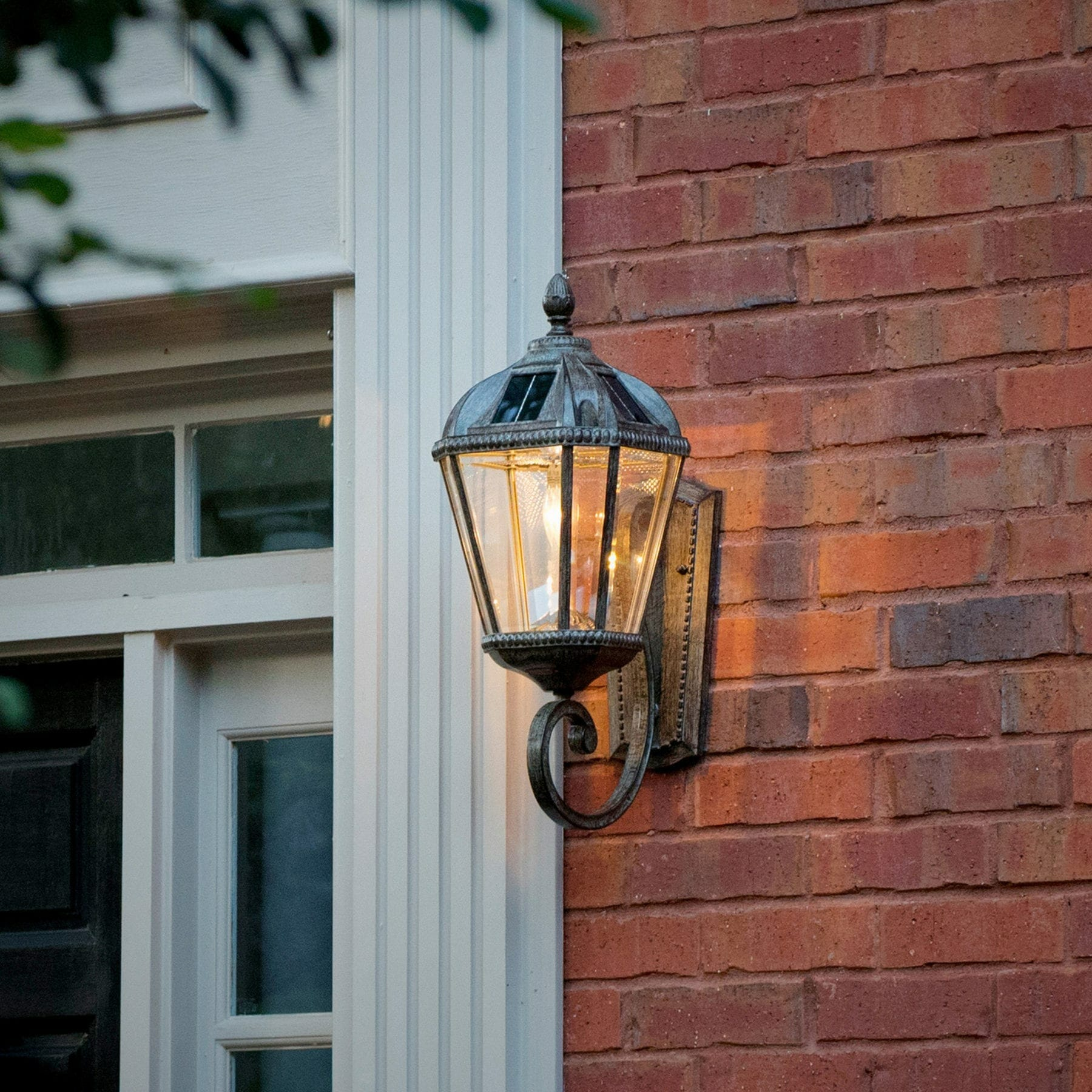 Royal Bulb Wall Mount Solar Lamp - Weathered Bronze