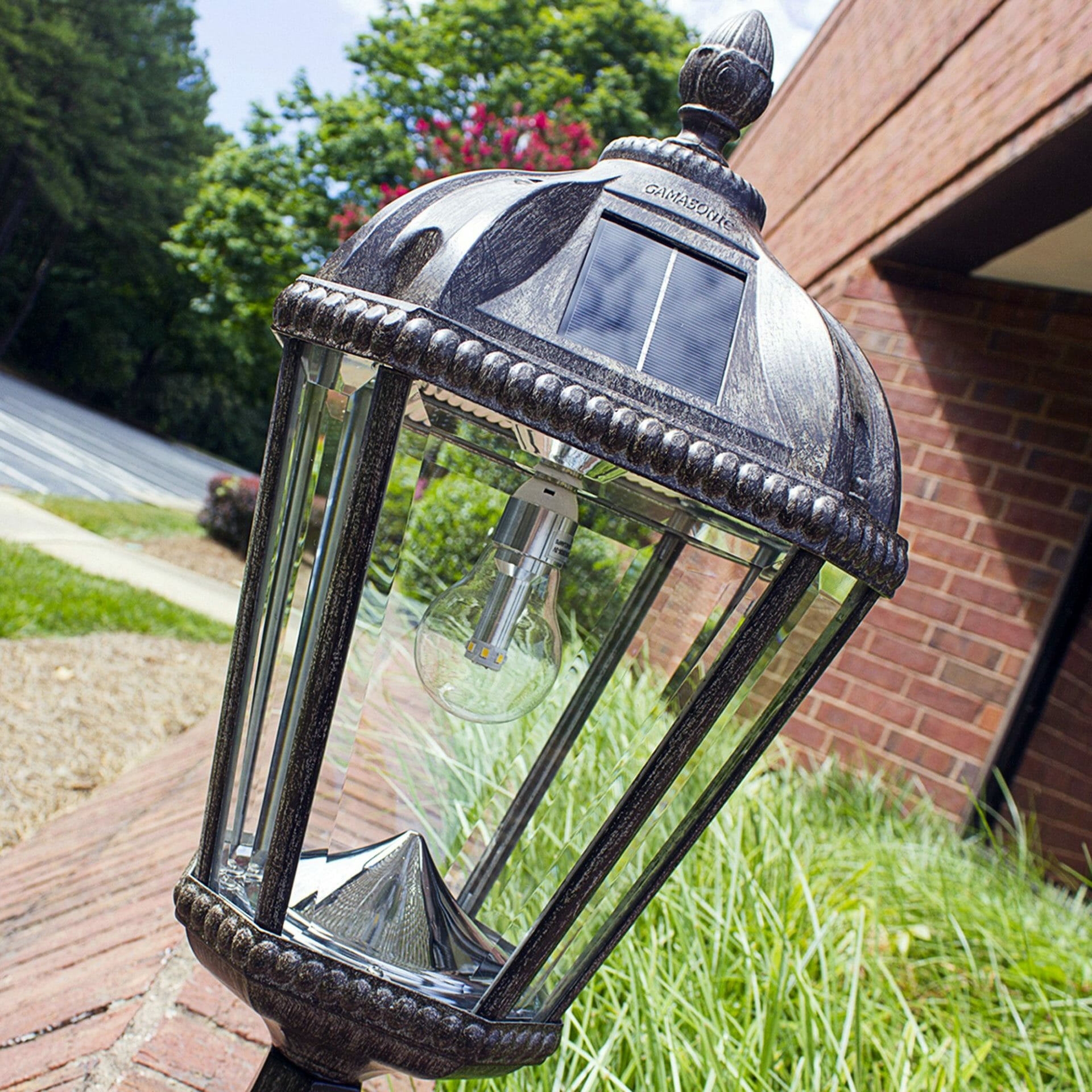 royal-bulb-pier-mount-solar-lamp-with-gs-solar-led-light-bulb-weathered-bronze-98b311