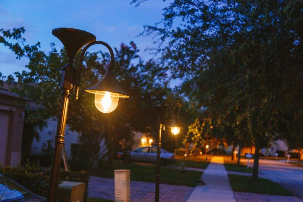 Everest Solar Lamp Post - Solar Outdoor Lighting By Gama Sonic