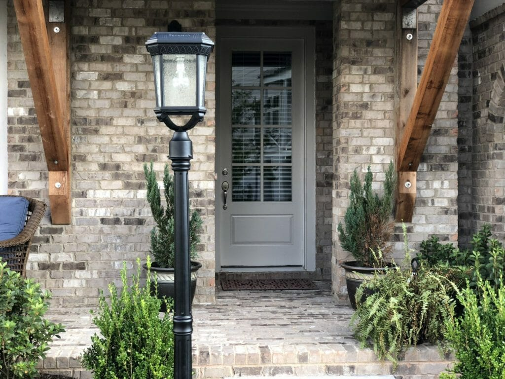 Colonial Solar Post Light GS-18F