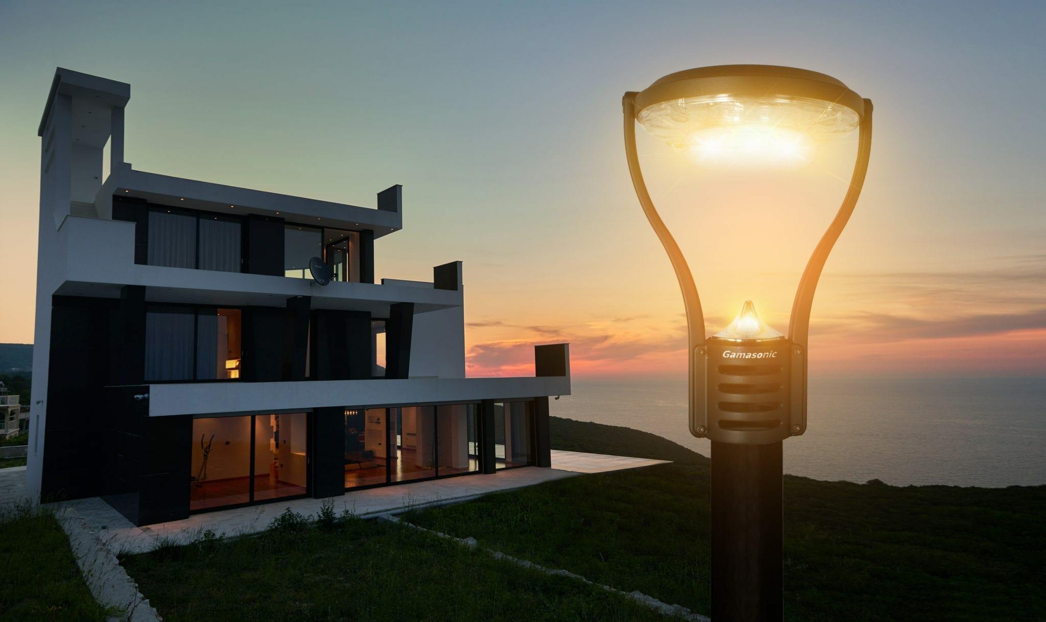 Modern Solar Post Light 132i90012